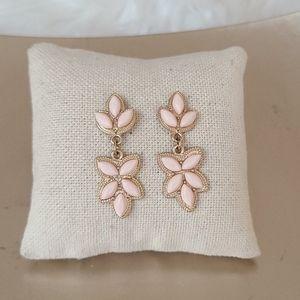 Stud Earrings blush pink